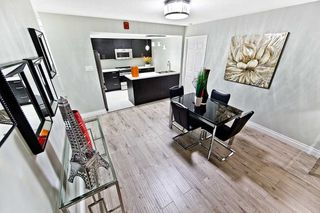 Photo 5: 911 175 Cedar Avenue in Richmond Hill: Harding Condo for sale : MLS®# N4458890