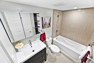 Photo 9: 911 175 Cedar Avenue in Richmond Hill: Harding Condo for sale : MLS®# N4458890