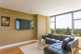 "Photo 7: 2305 280 ROSS Drive in New Westminster: Fraserview NW Condo for sale in ""THE CARLYLE"" : MLS®# R2373905"