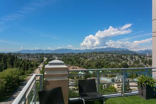 "Photo 1: 2305 280 ROSS Drive in New Westminster: Fraserview NW Condo for sale in ""THE CARLYLE"" : MLS®# R2373905"