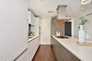 "Photo 9: 302 2035 W 4TH Avenue in Vancouver: Kitsilano Condo for sale in ""The Vermeer"" (Vancouver West)  : MLS®# R2385930"