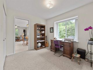 Photo 16: 867 INGLIS Road in Gibsons: Gibsons & Area House for sale (Sunshine Coast)  : MLS®# R2388654
