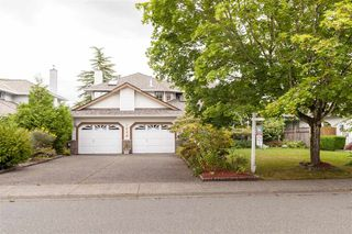 Main Photo: 9080 161A Street in Surrey: Fleetwood Tynehead House for sale : MLS®# R2402928