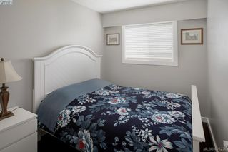 Photo 13: 9360 Lochside Drive in SIDNEY: Si Sidney South-East Single Family Detached for sale (Sidney)  : MLS®# 416236