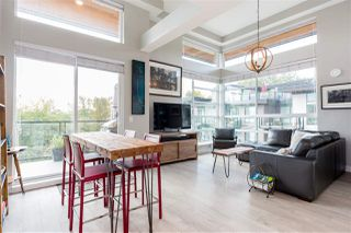 "Main Photo: 602 719 W 3RD Street in North Vancouver: Harbourside Condo for sale in ""The Shore"" : MLS®# R2413734"