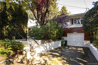 Photo 1: 2792 Tudor Avenue in VICTORIA: SE Ten Mile Point Single Family Detached for sale (Saanich East)  : MLS®# 417428