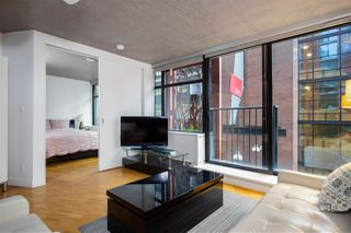 """Photo 7: 309 128 W CORDOVA Street in Vancouver: Downtown VW Condo for sale in """"Woodward's Building"""" (Vancouver West)  : MLS®# R2427264"""