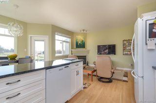Photo 11: 30 1290 Tolmie Avenue in VICTORIA: SE Cedar Hill Row/Townhouse for sale (Saanich East)  : MLS®# 422153
