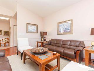 Photo 10: 6343 Savary St in Nanaimo: Na North Nanaimo Row/Townhouse for sale : MLS®# 836866
