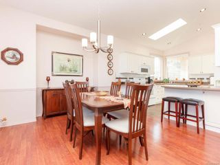 Photo 11: 6343 Savary St in Nanaimo: Na North Nanaimo Row/Townhouse for sale : MLS®# 836866
