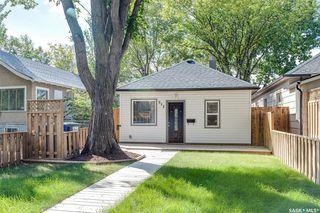 Photo 1: 517 K Avenue North in Saskatoon: Westmount Residential for sale : MLS®# SK826525
