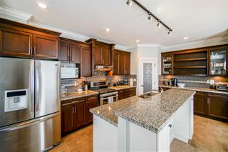 Photo 9: 6067 145A Street in Surrey: Sullivan Station House for sale : MLS®# R2515224