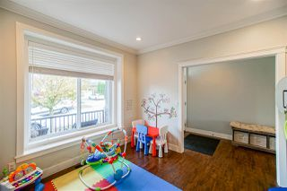 Photo 4: 6067 145A Street in Surrey: Sullivan Station House for sale : MLS®# R2515224