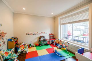 Photo 5: 6067 145A Street in Surrey: Sullivan Station House for sale : MLS®# R2515224