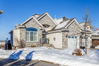 Main Photo: 30 MT GIBRALTAR Heights SE in Calgary: McKenzie Lake Detached for sale : MLS®# A1055228