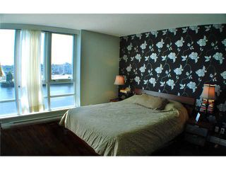 "Photo 5: 901 980 COOPERAGE Way in Vancouver: Yaletown Condo for sale in ""COOPER'S POINT"" (Vancouver West)  : MLS®# V909936"