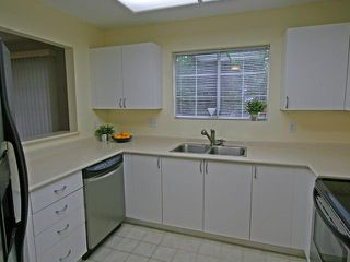 """Photo 2: 101 1990 COQUITLAM Avenue in Port Coquitlam: Glenwood PQ Condo for sale in """"THE RICHFIELD"""" : MLS®# V923528"""
