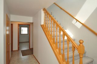 Photo 3: 34113 Hazelridge Road in RM Springfield: Single Family Detached for sale : MLS®# 1305839