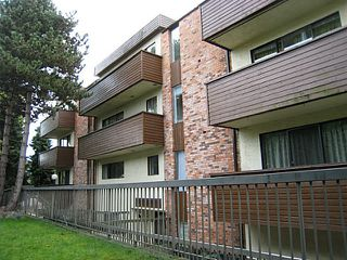 "Photo 3: 203 1296 W 70TH Avenue in Vancouver: Marpole Condo for sale in ""MARPOLE OAKS"" (Vancouver West)  : MLS®# V1033077"
