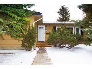 Photo 1: 1607 110 Avenue SW in CALGARY: Braeside_Braesde Est Residential Detached Single Family for sale (Calgary)  : MLS®# C3606899