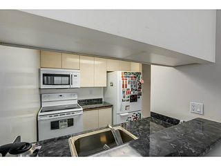 "Photo 7: 920 1268 W BROADWAY in Vancouver: Fairview VW Condo for sale in ""CITY GARDENS"" (Vancouver West)  : MLS®# V1087529"