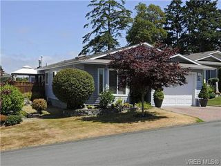 Photo 1: 82 Wolf Lane in VICTORIA: VR Glentana Manufactured Home for sale (View Royal)  : MLS®# 700173