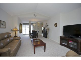 Photo 5: 215 9072 FLEETWOOD Way in Surrey: Fleetwood Tynehead Townhouse for sale : MLS®# F1447154