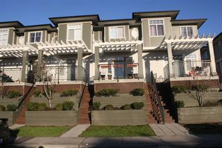 """Photo 1: 28 1010 EWEN Avenue in New Westminster: Queensborough Townhouse for sale in """"WINDSOR MEWS"""" : MLS®# R2021995"""