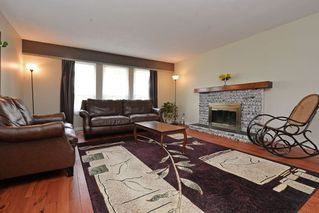 Photo 2: 1958 WILTSHIRE Avenue in Coquitlam: Cape Horn House for sale : MLS®# R2037803