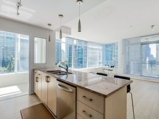"Photo 7: 803 1211 MELVILLE Street in Vancouver: Coal Harbour Condo for sale in ""The Ritz"" (Vancouver West)  : MLS®# R2084525"