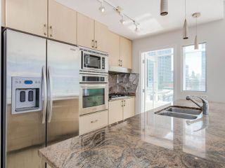 "Photo 8: 803 1211 MELVILLE Street in Vancouver: Coal Harbour Condo for sale in ""The Ritz"" (Vancouver West)  : MLS®# R2084525"