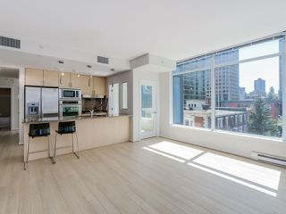 "Photo 4: 803 1211 MELVILLE Street in Vancouver: Coal Harbour Condo for sale in ""The Ritz"" (Vancouver West)  : MLS®# R2084525"