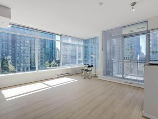 "Photo 2: 803 1211 MELVILLE Street in Vancouver: Coal Harbour Condo for sale in ""The Ritz"" (Vancouver West)  : MLS®# R2084525"