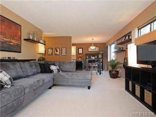 Photo 2: 308 929 Esquimalt Rd in VICTORIA: Es Old Esquimalt Condo Apartment for sale (Esquimalt)  : MLS®# 736713