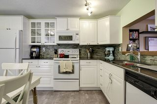 Photo 2: 417 63 Avenue SW in Lakeview Green 2: Townhouse for sale : MLS®# C3605337