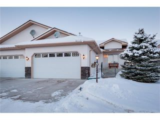 Photo 1: 22 100 SHEEP RIVER Drive: Okotoks House for sale : MLS®# C4093698