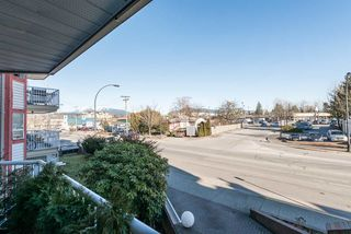 "Photo 15: 220 22661 LOUGHEED Highway in Maple Ridge: East Central Condo for sale in ""GOLDEN EARS GATE"" : MLS®# R2135049"