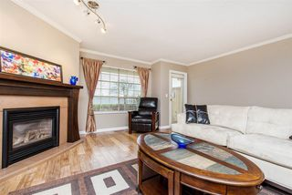 "Photo 4: 11 8855 212 Street in Langley: Walnut Grove Townhouse for sale in ""Golden Ridge"" : MLS®# R2150122"