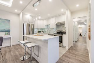 "Photo 2: 1205 6240 MCKAY Avenue in Burnaby: Metrotown Condo for sale in ""GRANDE CORNICHE 1"" (Burnaby South)  : MLS®# R2150616"