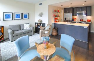 """Main Photo: 615 38 W 1ST Avenue in Vancouver: False Creek Condo for sale in """"THE ONE"""" (Vancouver West)  : MLS®# R2162041"""