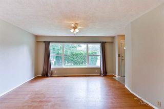 Photo 2: 33182 CHERRY Avenue in Mission: Mission BC House for sale : MLS®# R2175768