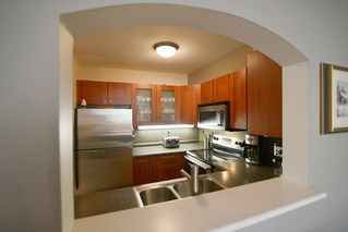Photo 13: 406 3738 NORFOLK STREET: Condo for sale : MLS®# R2014068