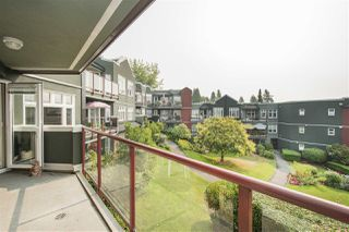 Photo 5: 401 121 W 29TH Street in North Vancouver: Upper Lonsdale Condo for sale : MLS®# R2195769