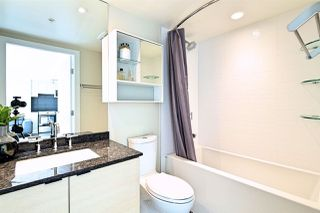 """Photo 8: 2704 488 SW MARINE Drive in Vancouver: Marpole Condo for sale in """"MARINE GATEWAY"""" (Vancouver West)  : MLS®# R2211706"""