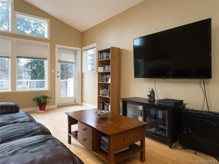 Photo 2: 71 850 Parklands Dr in VICTORIA: Es Gorge Vale Row/Townhouse for sale (Esquimalt)  : MLS®# 775780