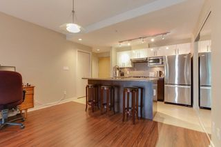 """Photo 6: 801 14 BEGBIE Street in New Westminster: Quay Condo for sale in """"INTER URBAN"""" : MLS®# R2230708"""