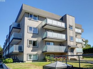 Photo 19: 403 3240 Glasgow Avenue in VICTORIA: SE Quadra Residential for sale (Saanich East)  : MLS®# 382346