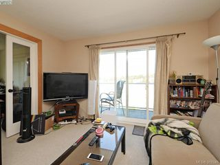 Photo 15: 403 3240 Glasgow Avenue in VICTORIA: SE Quadra Residential for sale (Saanich East)  : MLS®# 382346