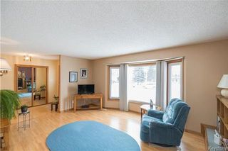 Photo 3: 105 OAKBANK Drive: Oakbank Residential for sale (R04)  : MLS®# 1809236
