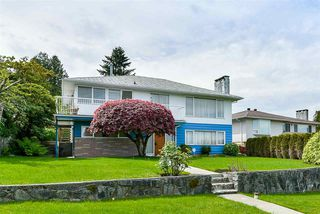 Photo 2: 5661 SARDIS Crescent in Burnaby: Forest Glen BS House for sale (Burnaby South)  : MLS®# R2265193